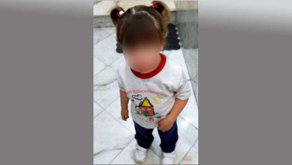 Lucia española con cuerpo de niña 603