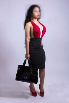 Preciosa escort colombiana dispuesta a ofrecerte el mejor sexo de centro 5579