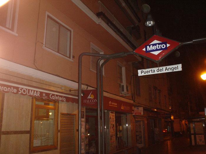 Metro puerta del angel 9674