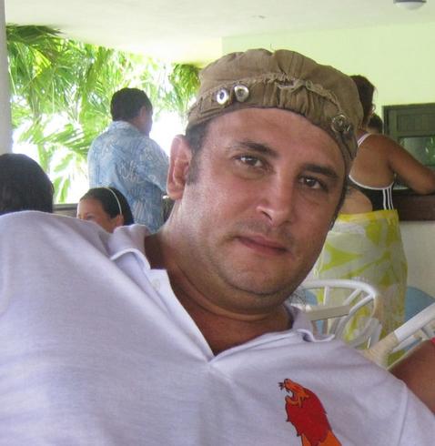 Hombre de 43 años español 5135