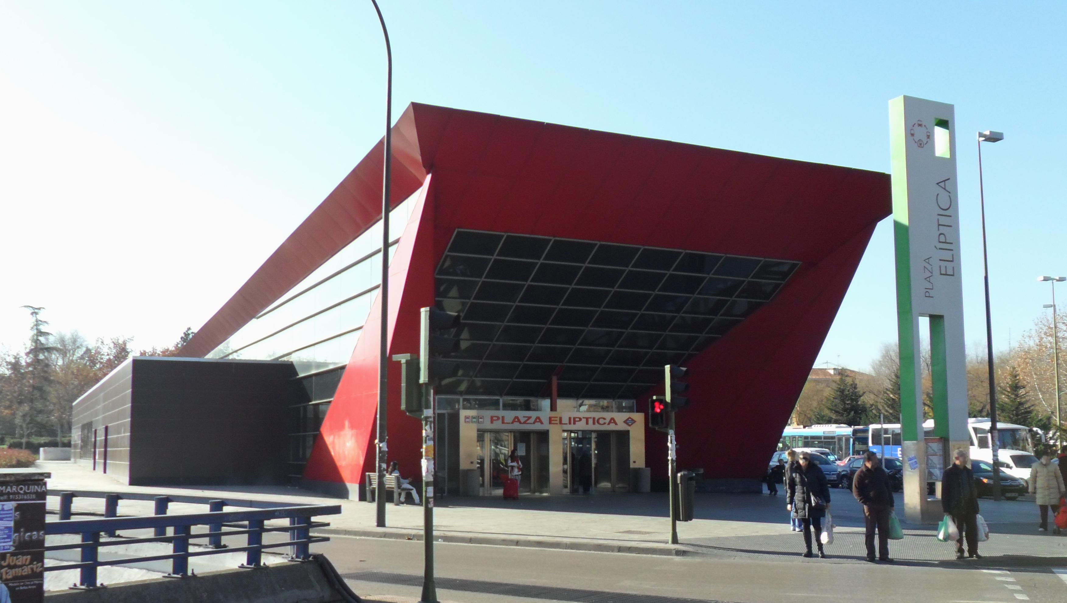 Esto en San Martín plaza eliptica 8461