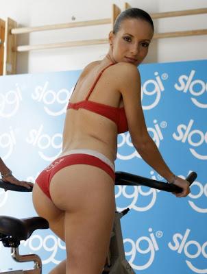 Eva una chica española que sabe tratar a los hombres 6691