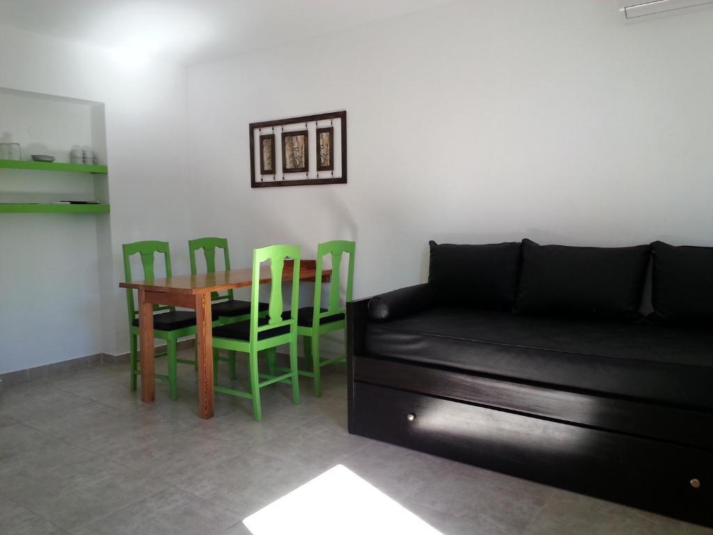 Se alquila habitaciónes para trabajar en el centro de Concordia 8431