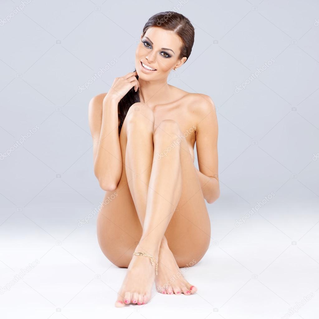 Una joven morena sensual 5692